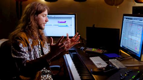 """The Making of """"Wakanda"""" with Ludwig Göransson - Studio Daily"""